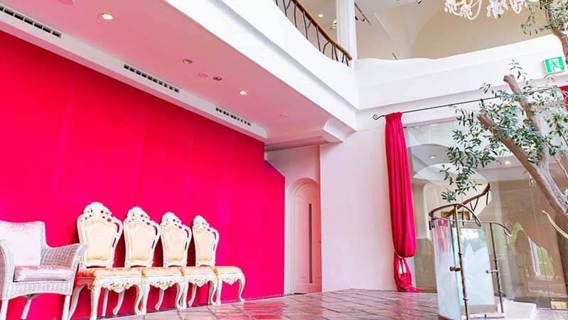 sun studio デルフィオーレ八王子 赤い壁