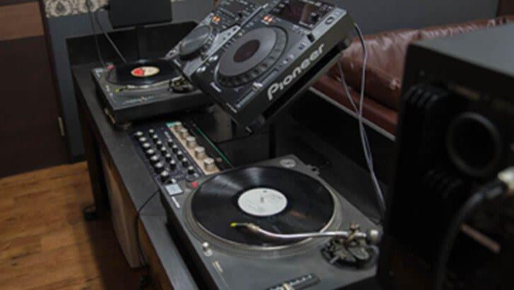 depth shinjuku studio DJブース