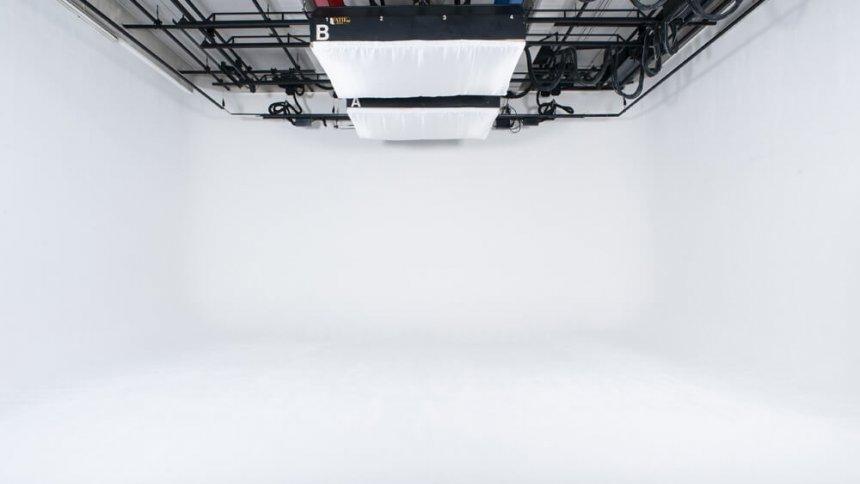 スタジオ 60 白ホリ1