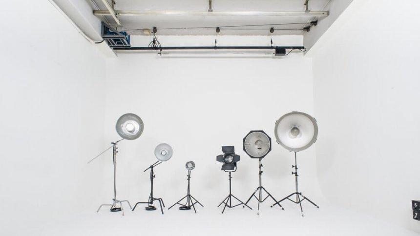 スタジオ 60 照明レンタル