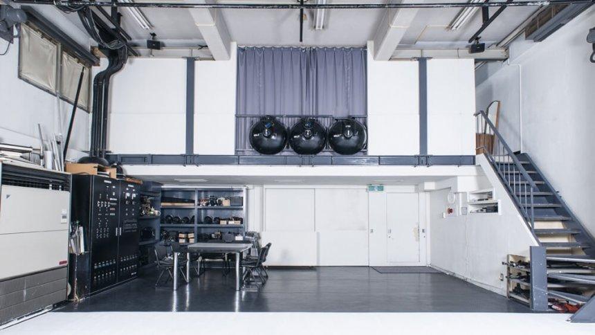 スタジオ 60 中二階