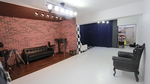 スタジオパンダ 1号店 レンガの壁