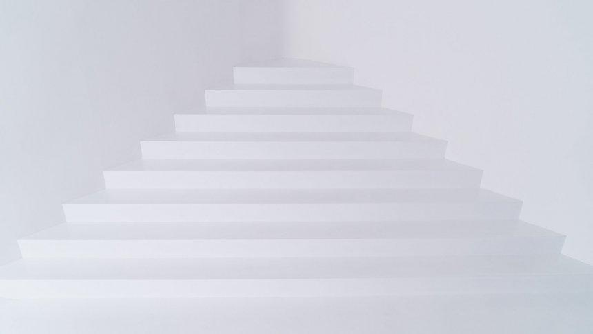 Studio Quartz 白階段
