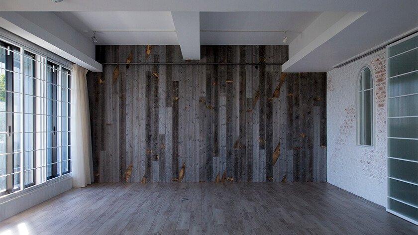 Studio TERRANOVA<Studio D> アンティーク調の古木壁