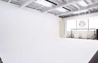 ホワイトアウルスタジオ池袋 白ホリ