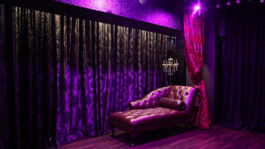 Fetish&Burlesque STUDIO9 紫の照明