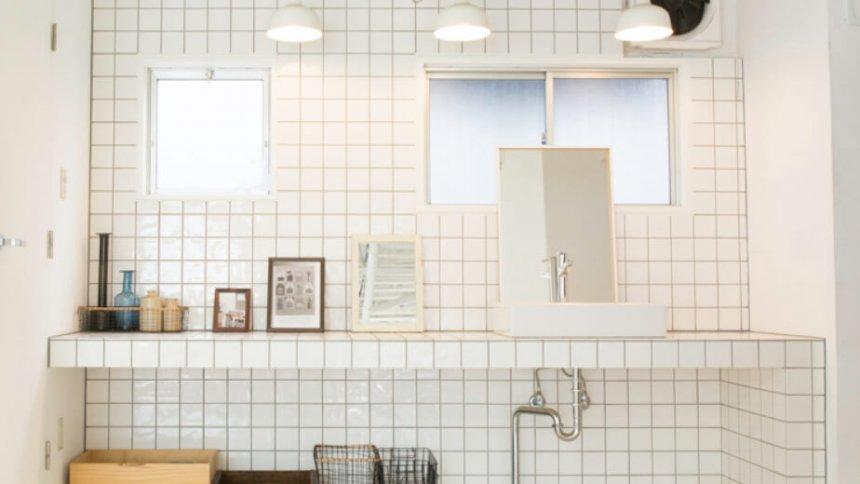 STUDIO iiwi 学芸大学 白タイルの洗面台