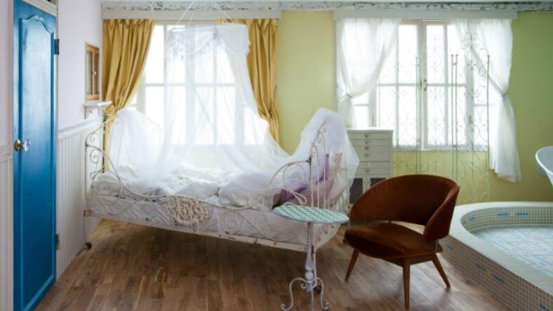 スタジオ Pinoco 天蓋ベッド