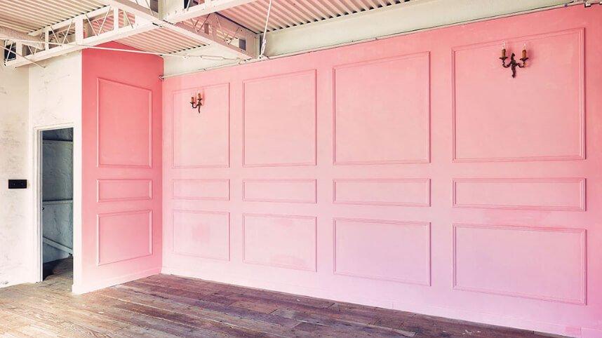 frank work studio ピンクの壁