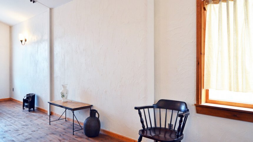 studio Bresson 漆喰の白壁