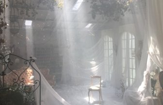 Studio Lumiere'k 幻想的な空間