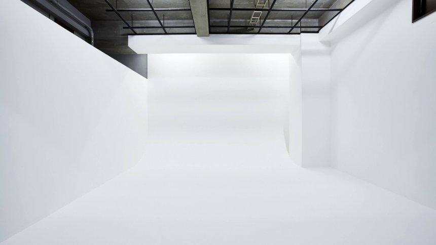 スタジオシロバコ2nd 白ホリ1