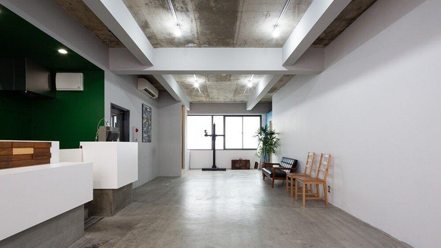 フォトスタジオ ジラフ 白い壁2