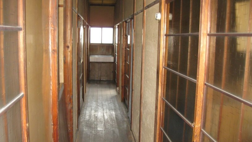 ハウススタジオ昭和 寮の廊下