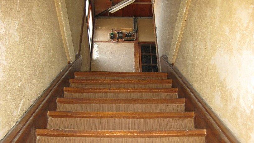 ハウススタジオ昭和 寮の階段
