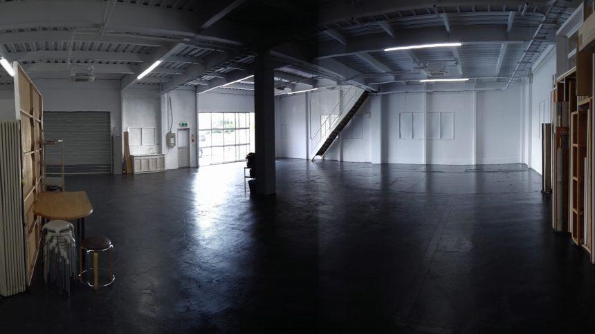 フォトスタジオ タクト 黒床1