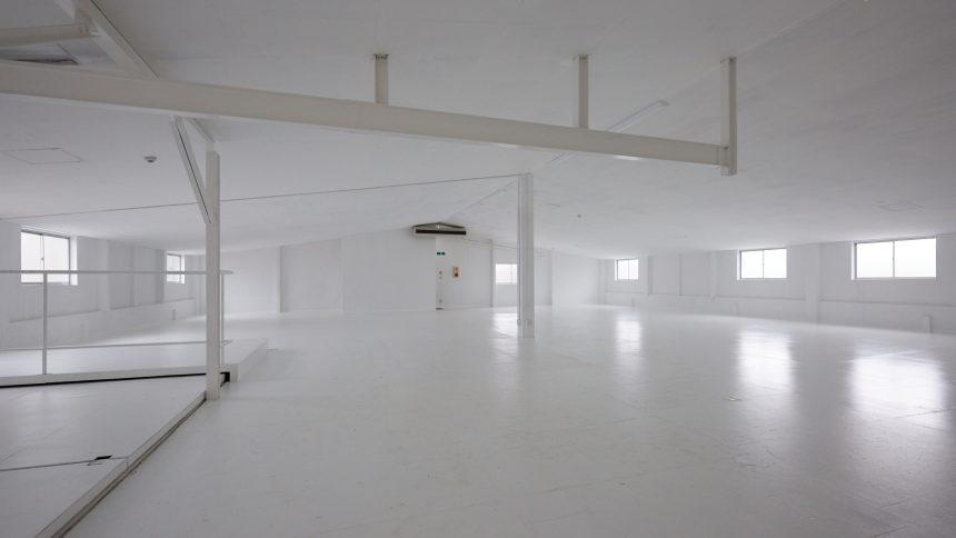 フォトスタジオ タクト 白床